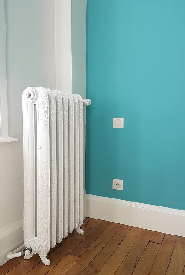 Un radiateur posé dans le Rhône pour une rénovation chauffage