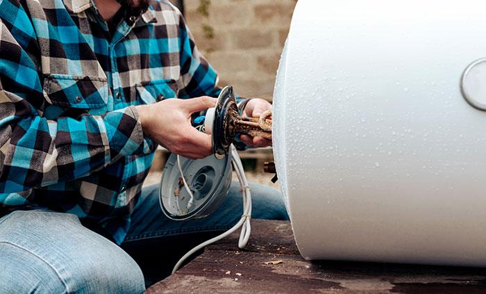 Réparation d'un chauffe-eau électrique défectueux