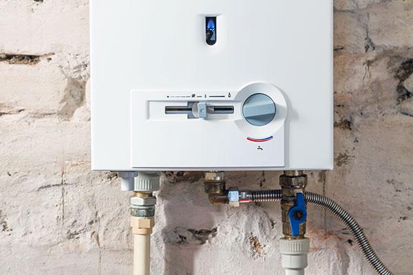 Instalaltion d'une chaudière à condensation murale