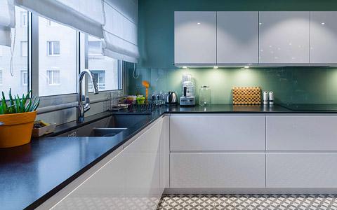 Rénovation d'une cuisine au design contemporain dans le Grand Lyon
