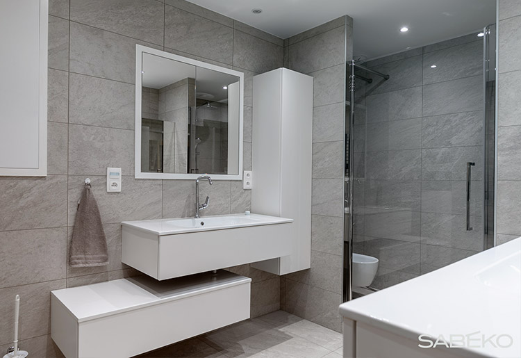 Salle de bain contemporaine 69005
